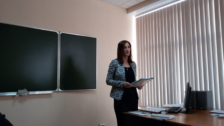 На областном семинаре «Планируемые результаты обучения истории и обществознания как структурообразующий элемент ФГОС ОО» выступили педагоги из Ленинска-Кузнецкого